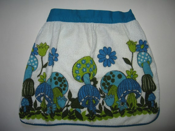 Supercute turquoise and lime mushroom terry apron cooking baking retro 70s