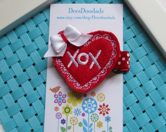 Red and White XOX Heart Hair Clip