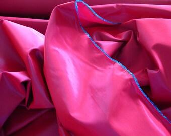 Red/Royal Iridescent Taffeta   1 Yard  (SM233)