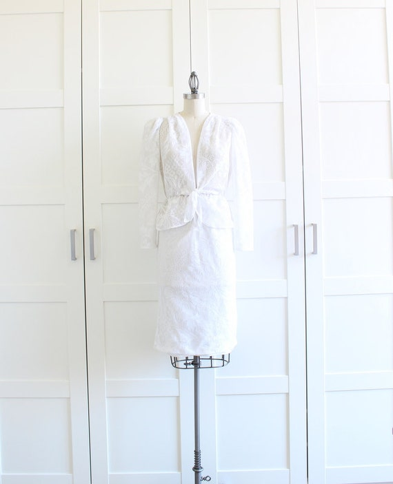 Vintage White Lace Dress Skirt Suit, Peplum Two Piece High Waisted Pencil Skirt with Peplum Jacket, size Small