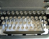 SALE Royal typewriter Magic Margin model from the 1940s was 75.00