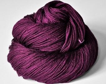 Burning fuchsia  - Merino/Silk Fingering Yarn Superwash