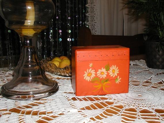 Vintage Wood File Box w/Daisies