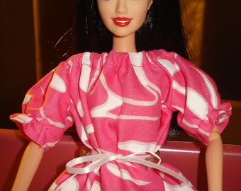 Fashion Doll Coordinates - Peasant blouse in colorful pink and white leaf print   - es64