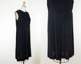 60s Vintage Classic Black Sleeveless Pleated Dress (M, L)
