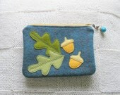 Acorn and oak leaves applique, wool felt wallet and credit cards holder set.