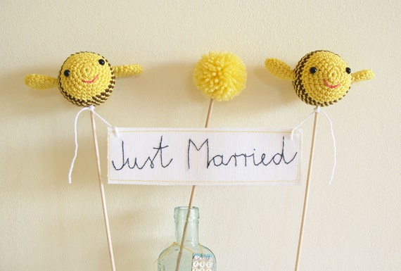 Bumble Bee Wedding, Just Married Cake Topper, Yellow Wedding, Cake Banner