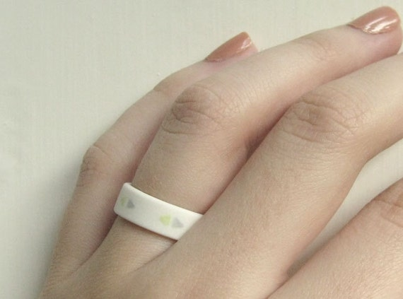 Porcelain Jewellery - Grey and Chartreuse Triangles Porcelain Ring