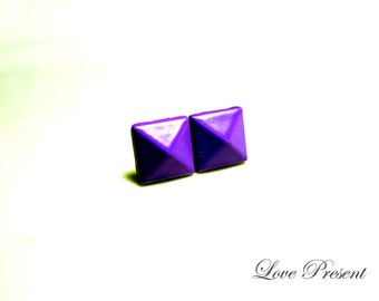 Supreme Rock N Roll and Punk Solid Pyramid earrings stud style - Color Purple