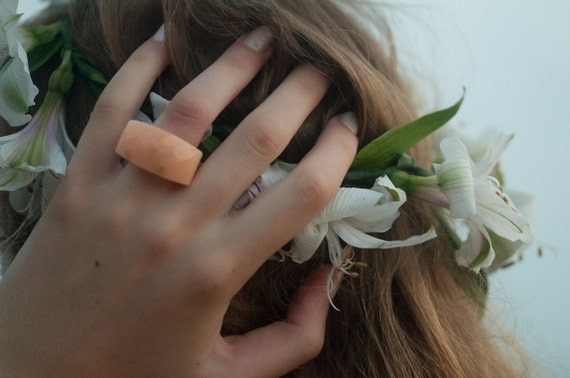 multifaceted peach eco resin ring featuring gold leaf flakes - size 9
