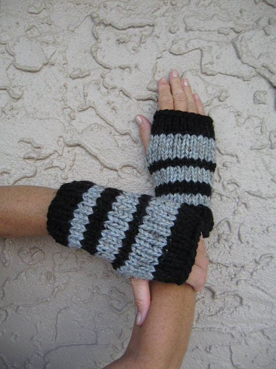 ON SALE Fingerless gloves black with grey hand knit free U.S. shipping