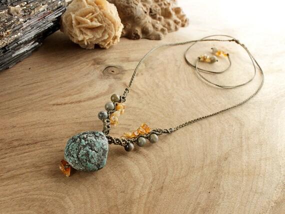 Gemstone jewelry with Azurite, Citrine and Labradorite, jewelry with no metal, macrame necklace