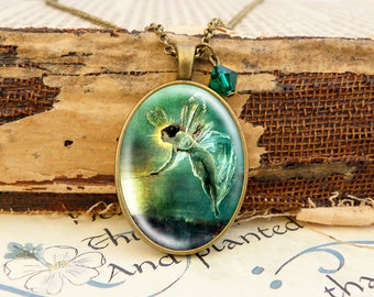 Green Fairy - Vintage Necklace