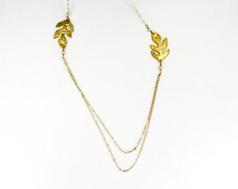 Oak leaf  necklace in gold with double chain and teeny pearlmulti strand chain