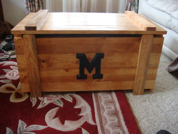 wooden toy box blanket chest with monogram. Black Bedroom Furniture Sets. Home Design Ideas