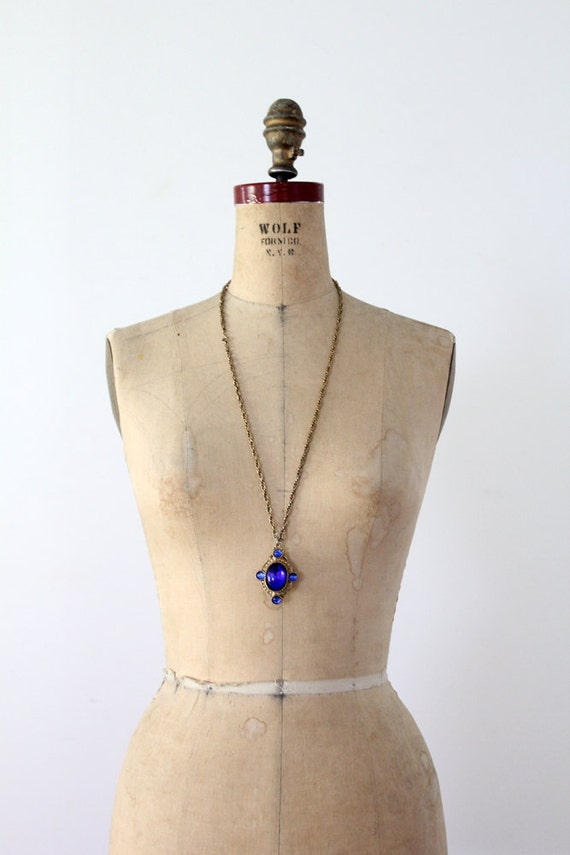 1960s Pendant Necklace / Vintage Costume Jewelry