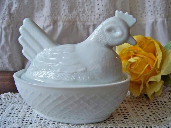 Vintage Milk Glass Hen