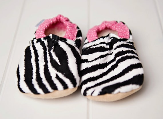 Pink Zebra Bison Booties Size 12 to 18 Months Toddler Size 4 ready to ship cloth shoes fabric