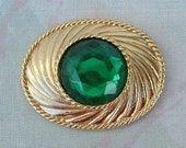 Signed UNGARO Faceted Emerald Green Glass Brooch Broche Vintage Jewelry