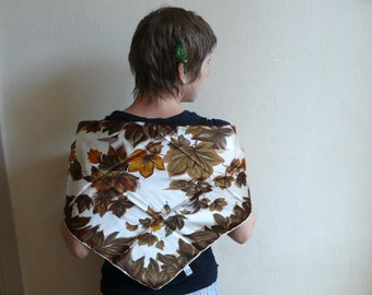 Vintage Leaf Scarf, Fall Leaves, Autumn colours,  Brown and yellow, Fashion accessory, countrywear, country clothing