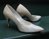 Gorgeous 1950's Off White Raw Silk Evening Shoes by Mijji size US 8aaa