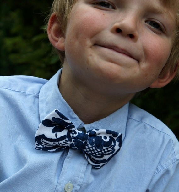 Bow Tie in Navy and White Linen Damask for Men or Boys - clip on, pre-tied with strap or self tying - wedding ties, ring bearer outfit