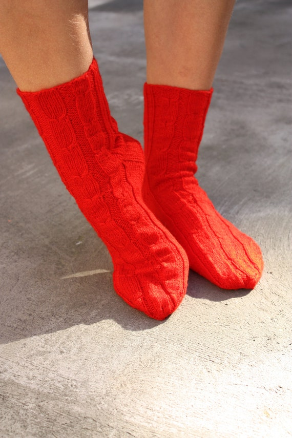 26 cm / 10 inches Valentine - Hand Knitted Socks, Slipper Socks - Unisex - US Men 8,5 and US Women 10 /// EU 42