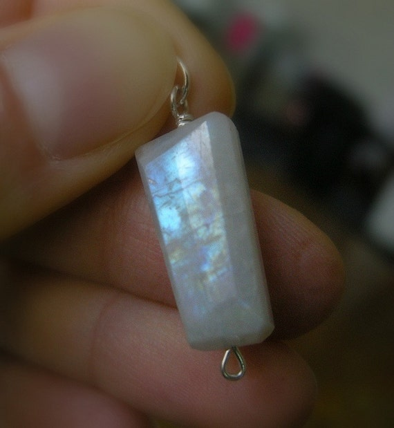 1920s Romance Rainbow Moonstone Pendant / Nostalgic, Art Deco, Cloudy White, Old Hollywood