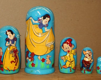 Snow White Cartoon Nesting dolls matryoshka babushka doll  set of 5
