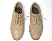 Vintage Tan Leather Lace Up Oxford Sneaks.  Size 8.5.