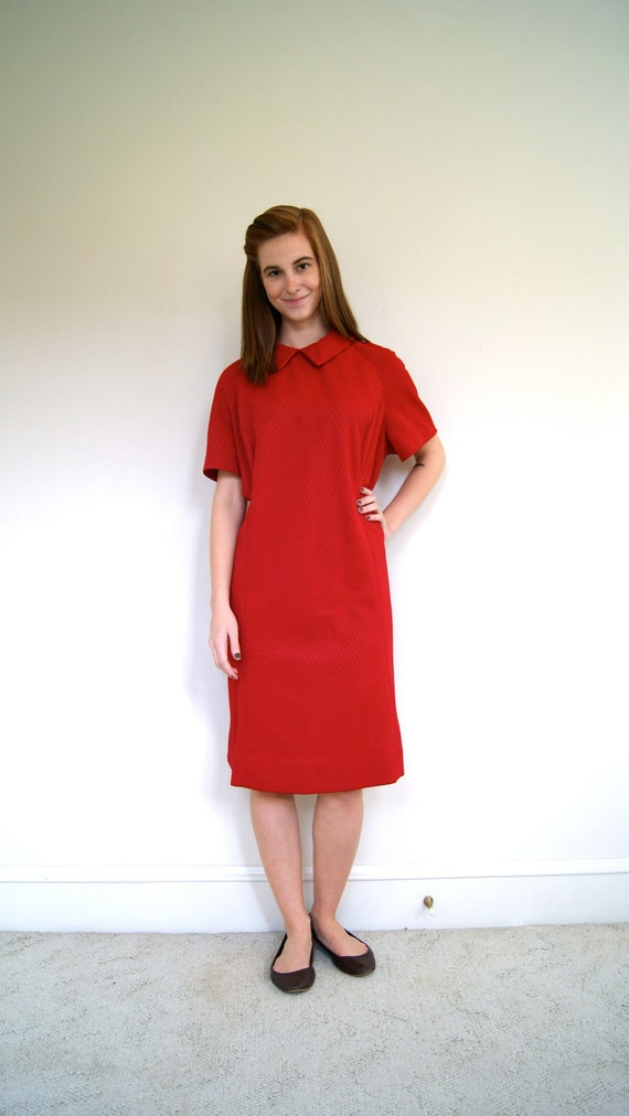 ON SALE. Vintage Cranberry Short Sleeved A-Line Dress. Late 60s / Early 70s. Large / Extra Large.