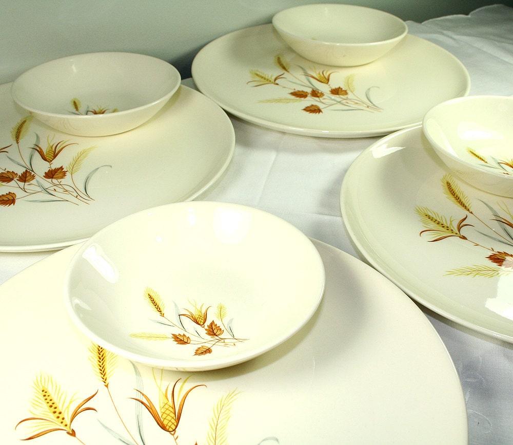 Autumn Harvest Vintage Dinnerware Set 4 Dinner Plates 4