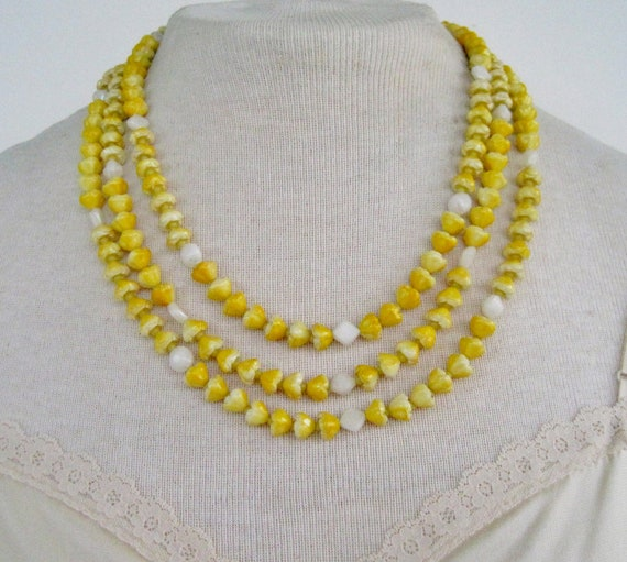 SALE 25 PERCENT OFF Vintage 60s Retro Kitsch Signed Hong Kong Yellow White En Esclavage Multi Triple Strand Flower Bead Beaded Necklace