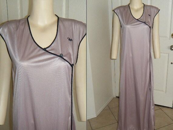Vintage Asian Style Lavender Nightgown by Diane Von Furstenberg Size Medium