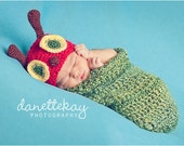 Newborn Very Hungry Caterpillar hat & cocoon set - Photography Prop, Halloween Costume