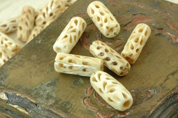 Hand Carved Bone Beads from India: Plume Pattern on Cream Tube, 12x26mm, 10 beads / Natural Beads / Cow Bone Beads / Boho Craft Supplies