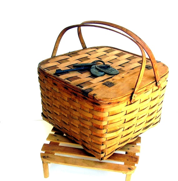 Vintage Picnic Basket Antique Wood Pie Grate Oak Splints 1930s Picnic Basket