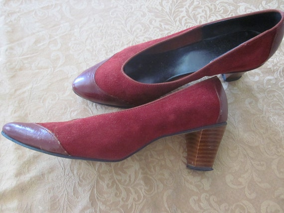 Dark Red, Burgundy Suede Leather Vintage Heels, Pumps, Dress Shoes with stacked wood heels, Size 8.5