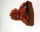 Ski hat by White Stag with pom pom S M