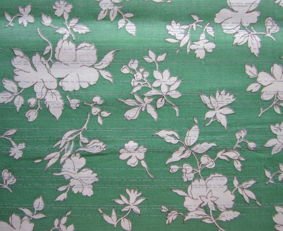 Vintage Cotton Fabric - Light green, gray & white Floral - 40s-60s - 2 yds