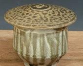 Lidded Teabowl (YCP206)