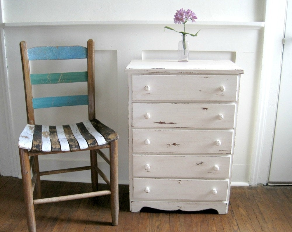 Vintage White Chest Of Drawers Small & Shabby