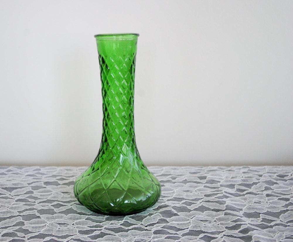 vintage green glass vase green milk glass green crystal. Black Bedroom Furniture Sets. Home Design Ideas