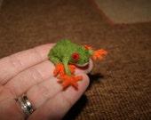 Felt frog, felt toy, tiny felted frog, soft sculpture, miniature frog, green frog, natural wool toy