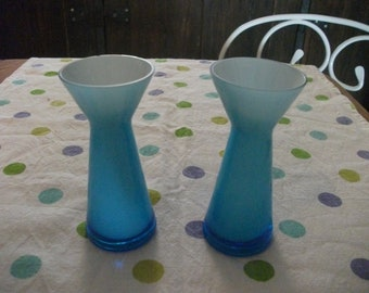 s.a.l.e-vintage TURQUOISE GLASS VASE,hand blown,  home decor, housewares, beach house, bud vase