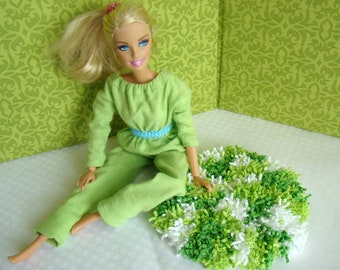 "Barbie Furniture - Rug - 5-1/2"" Round Green and White Shag - FREE Shipping to anywhere in the USA"