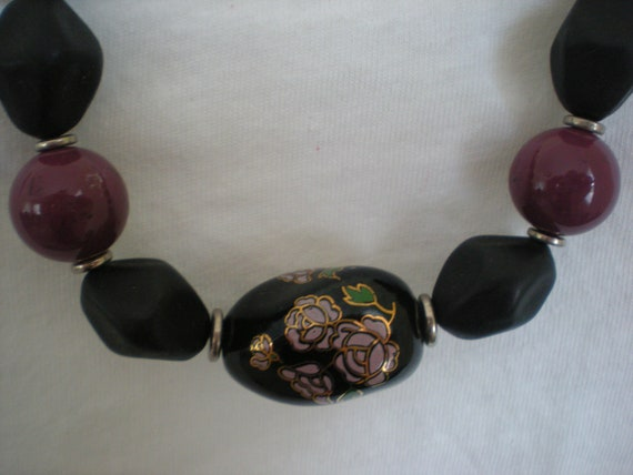 Black and Mauve Cloissone Style Beaded Necklace With Flower Design