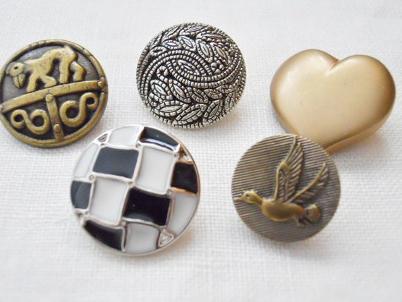 Metalized Vintage Plastic Buttons For Crafting