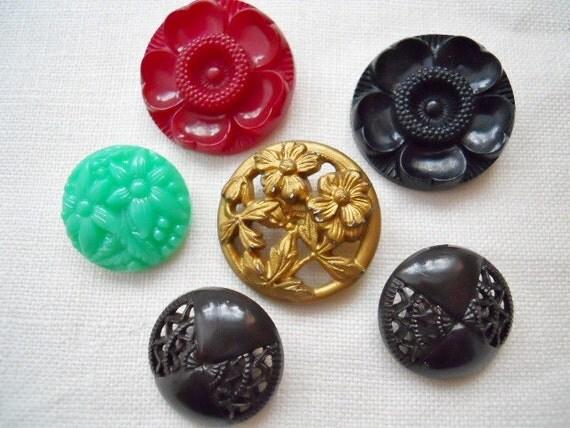 Vintage Flower Buttons Assortment