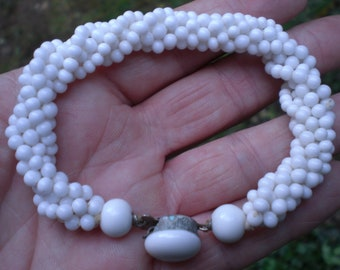 Vintage 1950s to 1960s White Glass Beaded Bracelet Round Twisted Silver Tone